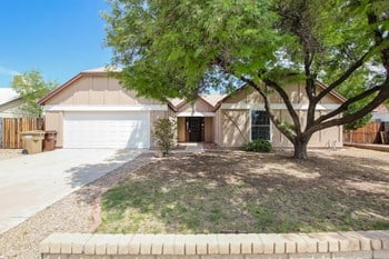 8320 W CORRINE Dr 4 Beds House for Rent Photo Gallery 1