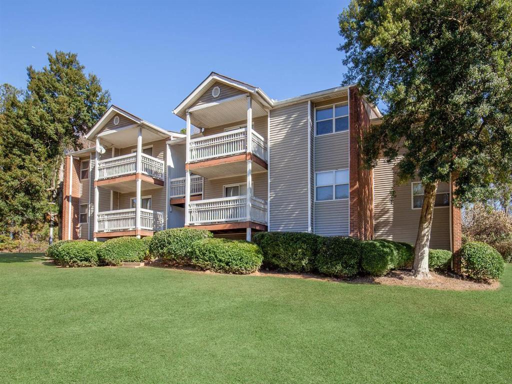 golf vista apartments 445 cleveland avenue se atlanta ga rentcaf rh rentcafe com