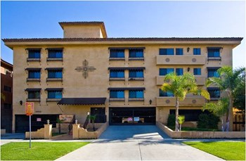 2632 Ellendale Place 1-2 Beds Apartment for Rent Photo Gallery 1
