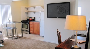 1286 W. Adams Blvd. Studio-2 Beds Apartment for Rent Photo Gallery 1