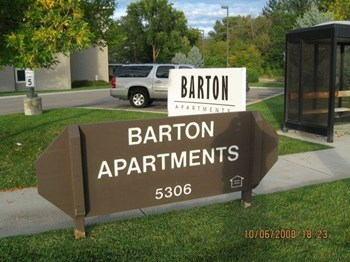 5306 W State St 1-2 Beds Apartment for Rent Photo Gallery 1