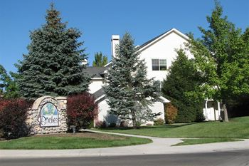 16390 N Franklin Blvd 1-3 Beds Apartment for Rent Photo Gallery 1