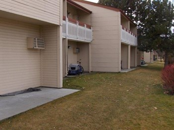 693 E Old Saybrook Ln 1-3 Beds Apartment for Rent Photo Gallery 1