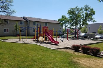 1425 S Mountain View Rd 1-3 Beds Apartment for Rent Photo Gallery 1