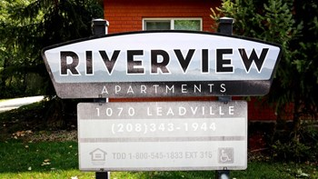1070 S Leadville Ave 2 Beds Apartment for Rent Photo Gallery 1