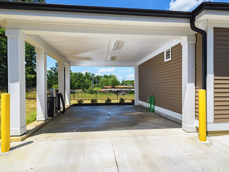 Detached Garages Available at Abberly CenterPointe Apartment Homes, Midlothian, VA