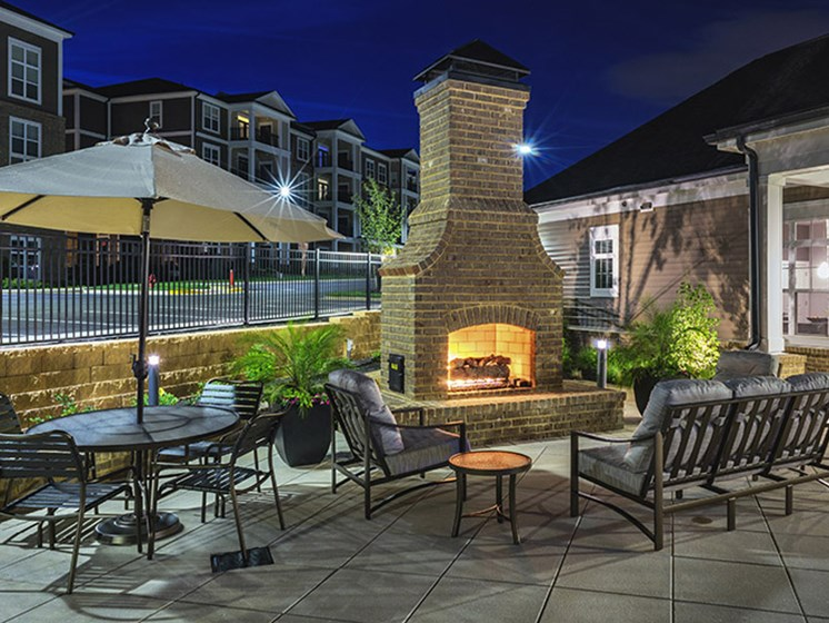 Courtyard Pavilion With Gas Fireplace at Abberly CenterPointe Apartment Homes, Midlothian
