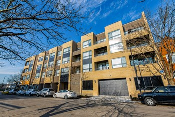 1650 W. Adams St. 1-2 Beds Apartment for Rent Photo Gallery 1