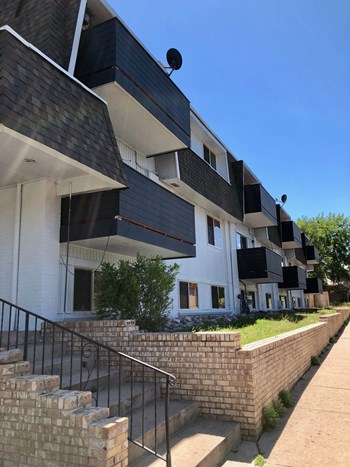 2930 West Cornell Avenue 1-2 Beds Apartment for Rent Photo Gallery 1