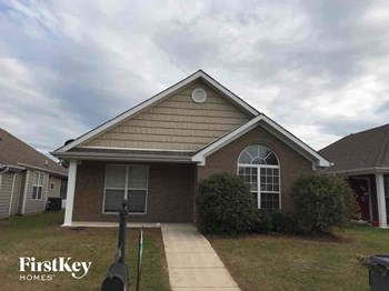 138 Village Dr 3 Beds House for Rent Photo Gallery 1