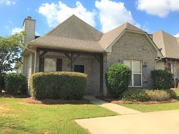 1226 Savannah Ln 3 Beds House for Rent Photo Gallery 1