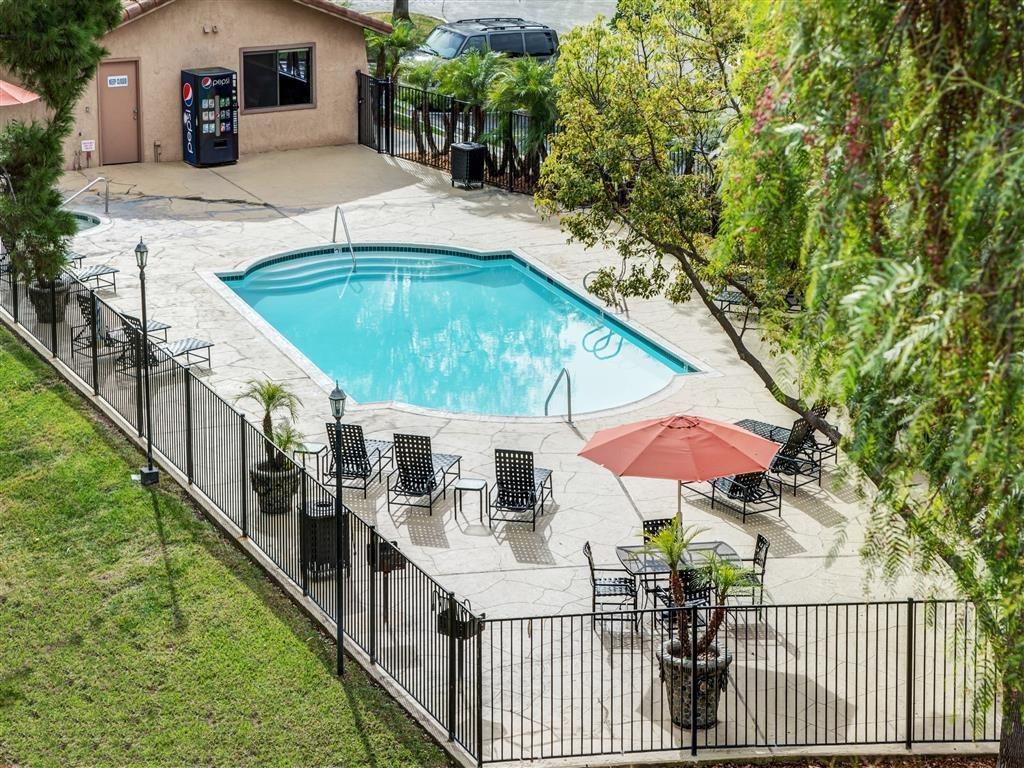 River Oaks   Apartments in Oceanside, CA