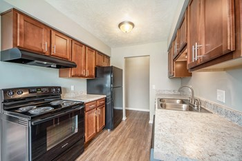 1975 Columbia Ave 1 Bed Apartment for Rent Photo Gallery 1
