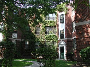1975 Delaware Ave to 2035 Delaware Ave 1-2 Beds Apartment for Rent Photo Gallery 1
