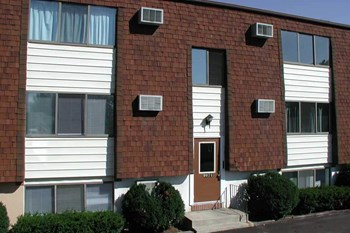 8921 - 9103 St. Johns Pkwy. 1 Bed Apartment for Rent Photo Gallery 1