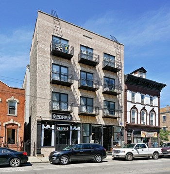 1102 W 18th St 1-3 Beds Apartment for Rent Photo Gallery 1