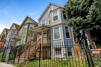 3604 W Diversey 2-3 Beds Apartment for Rent Photo Gallery 1