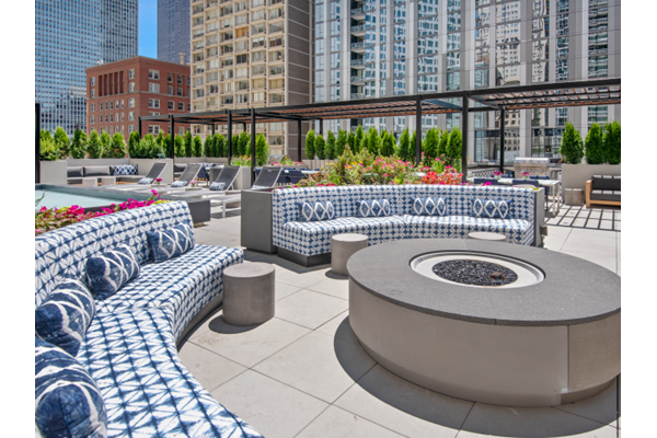 Expansive Sundeck with Fire Pit at One East Delaware, Chicago, IL