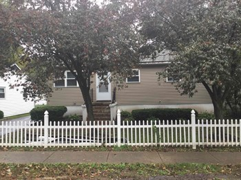 47 S HEATHER Dr 3 Beds House for Rent Photo Gallery 1