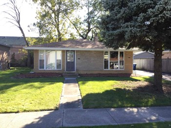 1125 E 161ST Pl 3 Beds House for Rent Photo Gallery 1