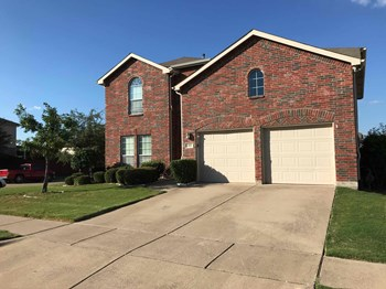 414 Hackberry Dr 4 Beds House for Rent Photo Gallery 1