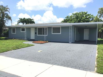 3460 SW 19 St 3 Beds House for Rent Photo Gallery 1