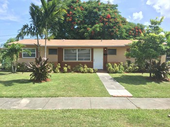 9830 SW 164th Ter 3 Beds House for Rent Photo Gallery 1