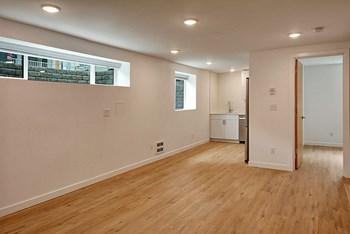3521 S Leschi Pl 1-2 Beds Apartment for Rent Photo Gallery 1