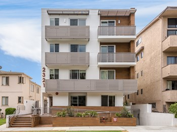 2321 Fox Hills Dr. 2-3 Beds Apartment for Rent Photo Gallery 1