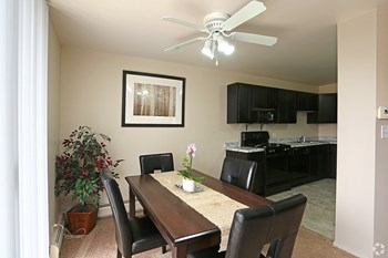1821 S. WASHINGTON Studio-2 Beds Apartment for Rent Photo Gallery 1