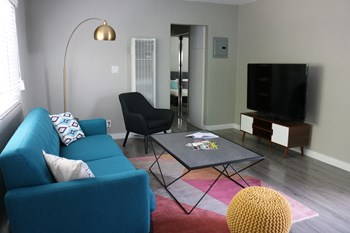 252 S. New Hampshire Ave. Studio-1 Bed Apartment for Rent Photo Gallery 1