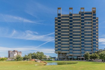 7200 N Stemmons Freeway 2 Beds Apartment for Rent Photo Gallery 1