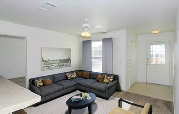 2701 N Grand Street 2 Beds Apartment for Rent Photo Gallery 1