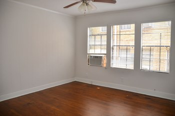 1931 15Th Avenue South Studio Apartment for Rent Photo Gallery 1
