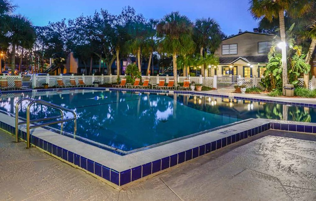 Swimming Pool at Somerset Apartments in Largo, FL