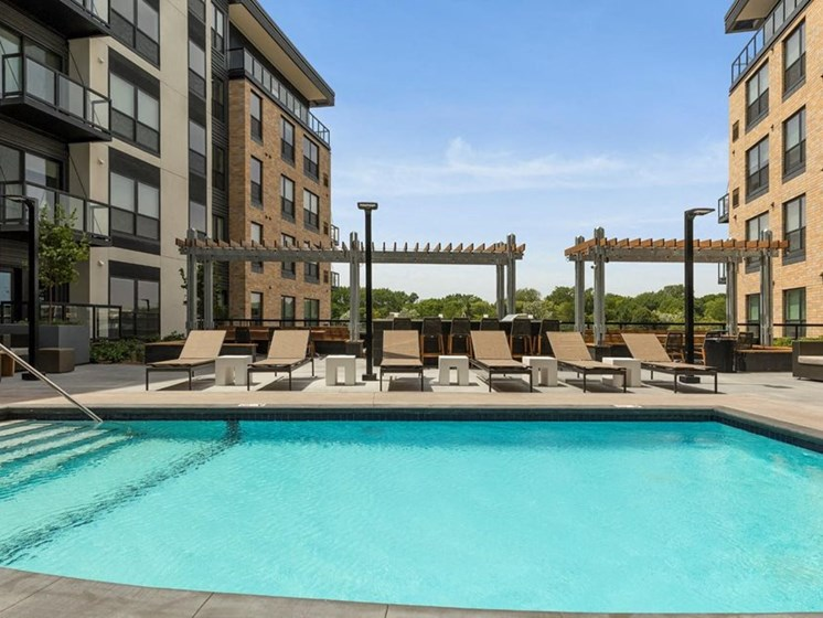 Residences at 1700 Outdoor Pool Sun Deck