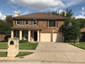 809 Parkwest Blvd 3 Beds House for Rent Photo Gallery 1