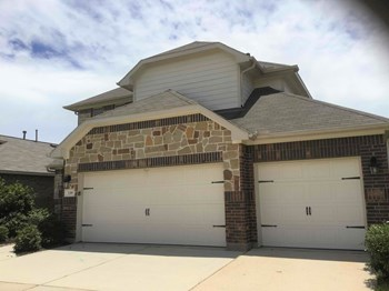 139 Piney Pathway 4 Beds House for Rent Photo Gallery 1