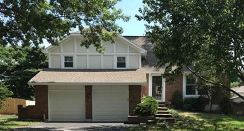 1104 S WINTERBROOKE Dr 4 Beds House for Rent Photo Gallery 1