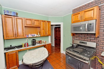 180 Quail St 1 Bed Apartment for Rent Photo Gallery 1