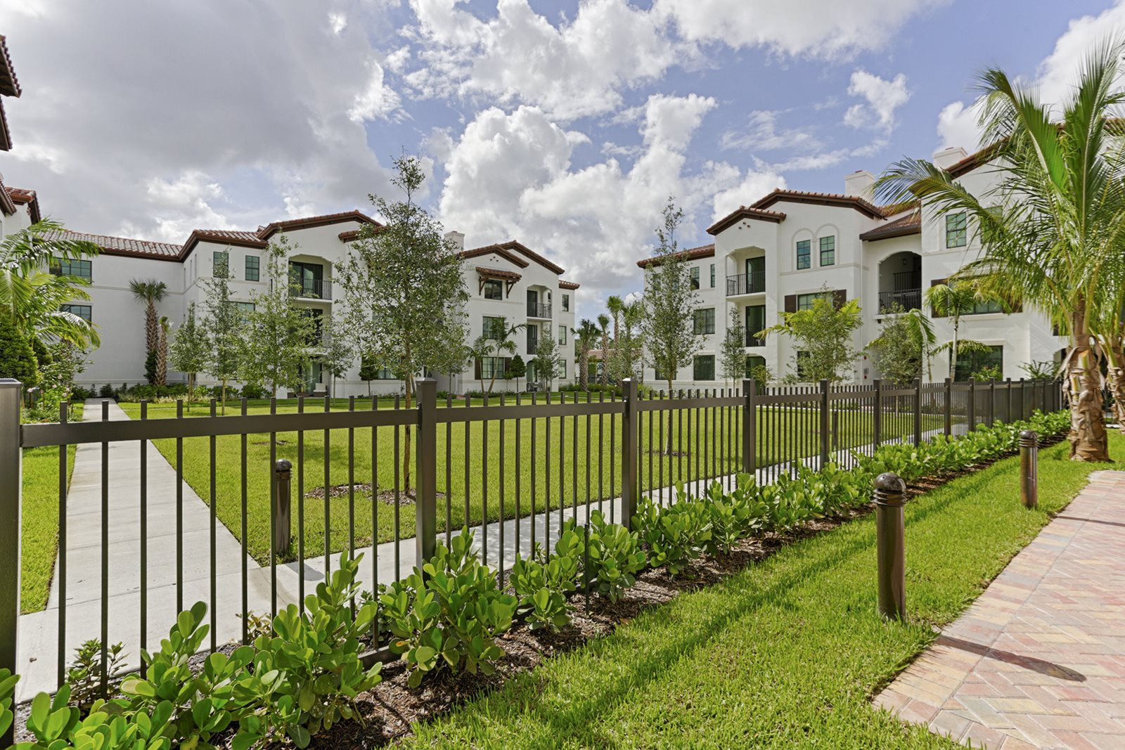 Doral Apartments with Green Spaces- Mirador at Doral by Windsor
