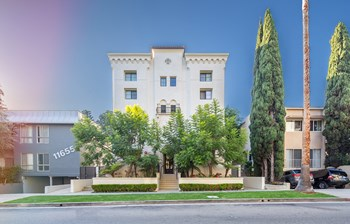 11649 Mayfield Avenue Studio-1 Bed Apartment for Rent Photo Gallery 1