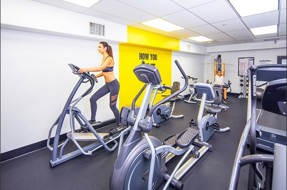 Brentwood-Luxury-Apartments-Luxe-Villas-Interior-Fitness-Center-Model