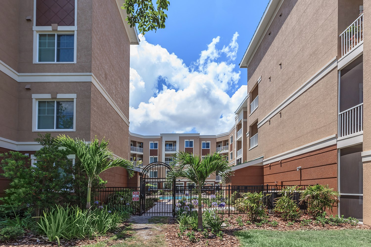 Courtyard at Riversong Apartments in Bradenton, FL