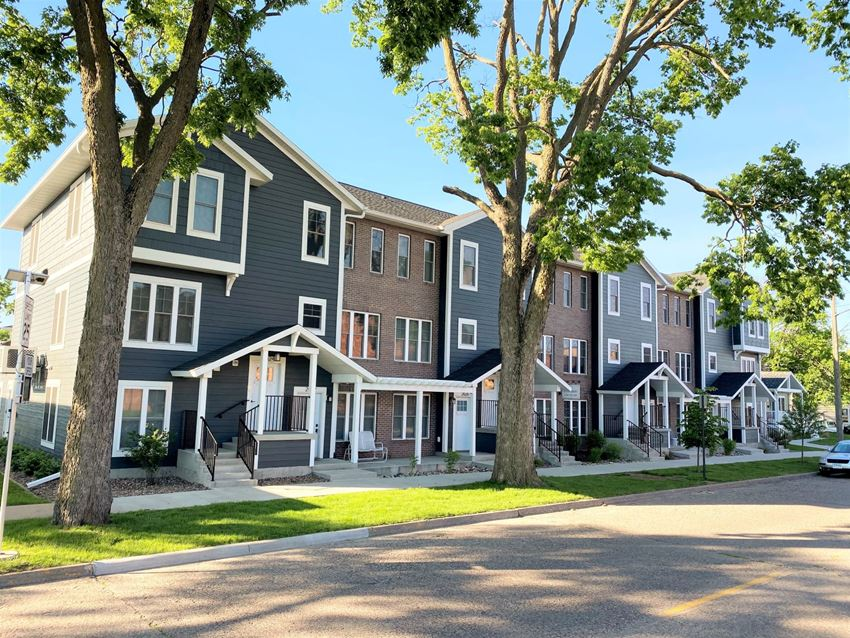 The Canterbury | 1 & 2 BR | Apartment | Townhome | La Crosse | Three Sixty Real Estate