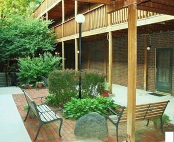 Fairacres Condominiums Studio Apartment for Rent Photo Gallery 1