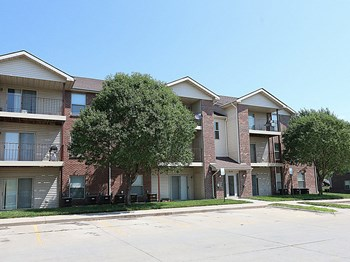 705 Folsom Ln 1-3 Beds Apartment for Rent Photo Gallery 1