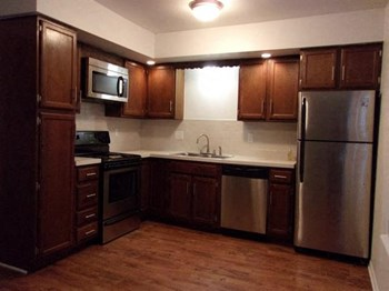 900 Long Blvd. 1-2 Beds Apartment for Rent Photo Gallery 1