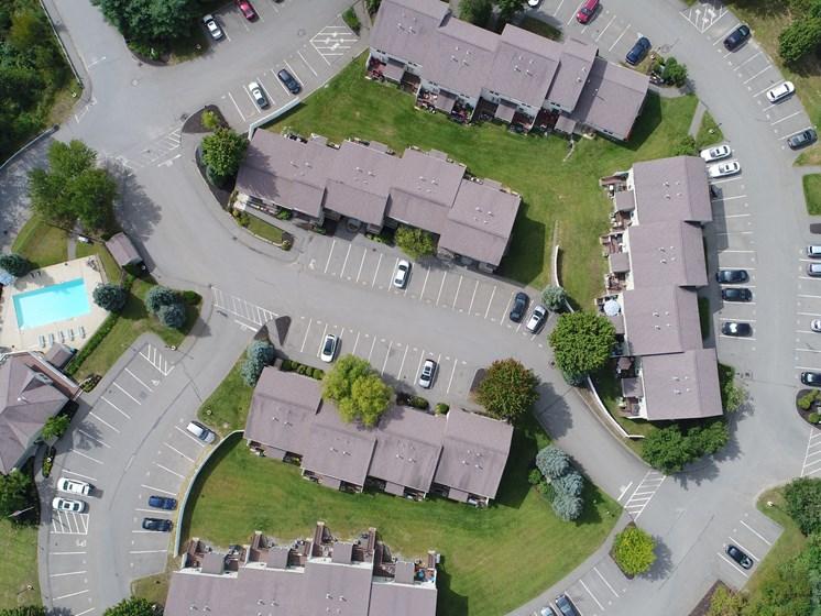 Manicured Lawns at Windsor Terrace, Hooksett