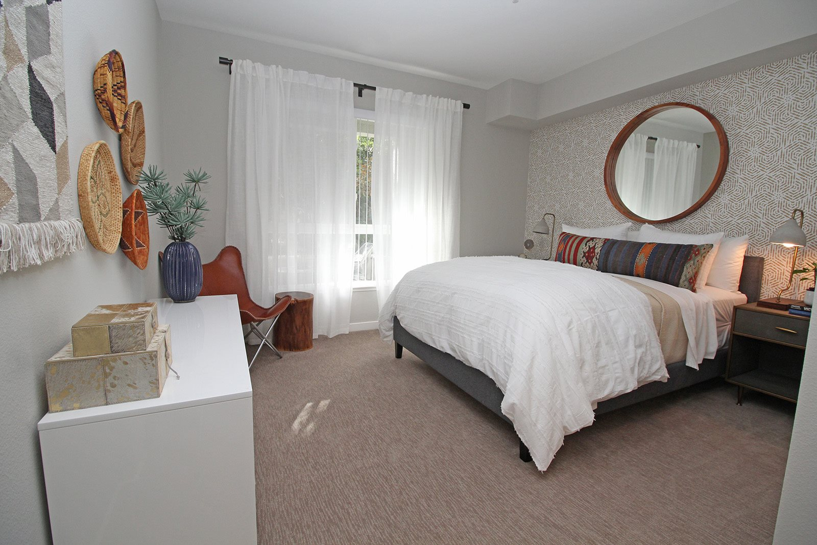 1, 2, 3 Bedroom Apartments- King Size Beds at Dublin Station